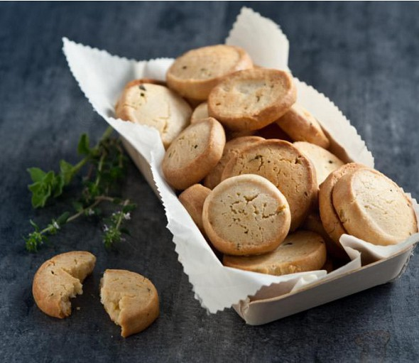 Cookies with herbs