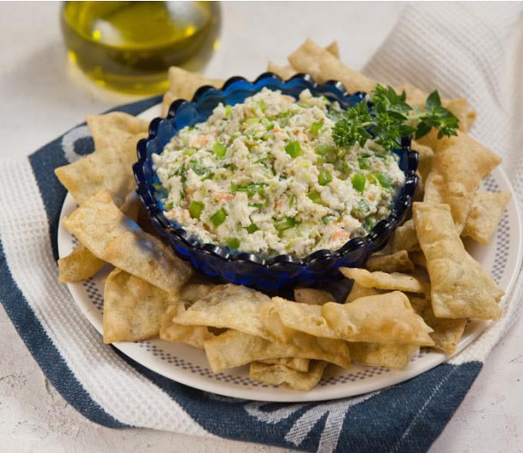 Dip with green peppers and xinomizithra