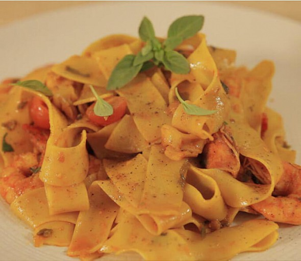 Seafood papardelle