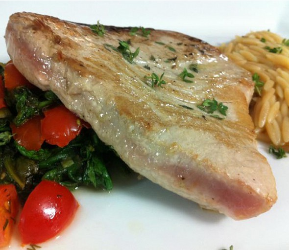 Seared tuna with orzo and spinach asparagus sautee