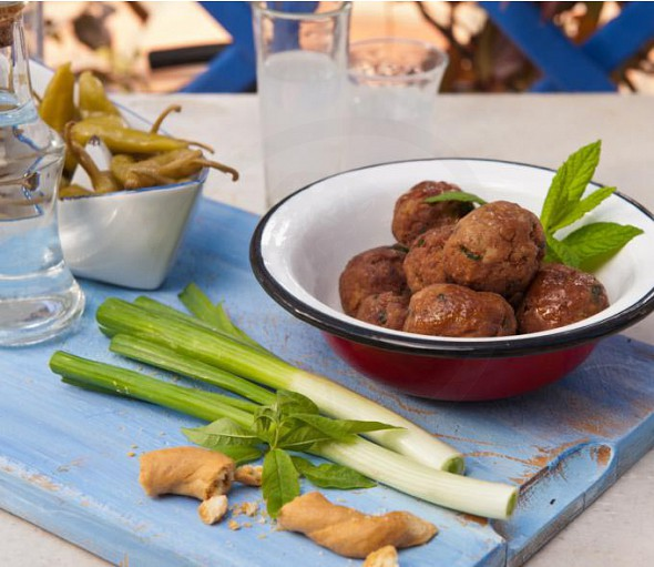 Meatballs with ouzo and mastiha