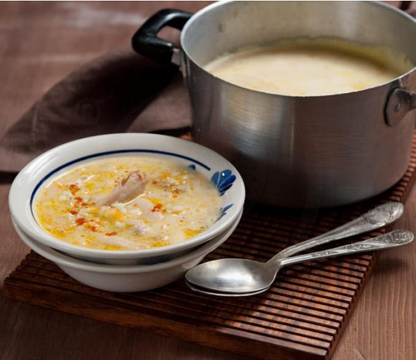 Chicken soup with lemon and egg sauce