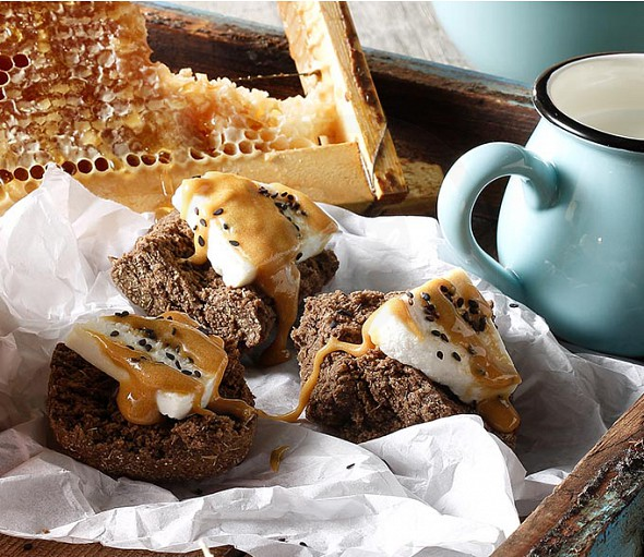 Cretan carob rusks with manouri cheese and honey