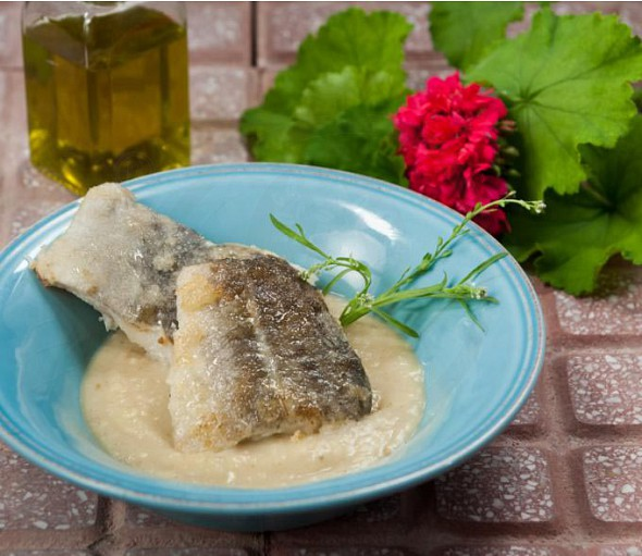 Garlic dip (aliada) from Cephalonia with fried cod