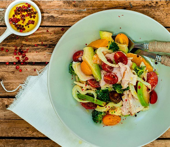 Salad with fennel, orange, chicken and Extra Virgin Olive Oil
