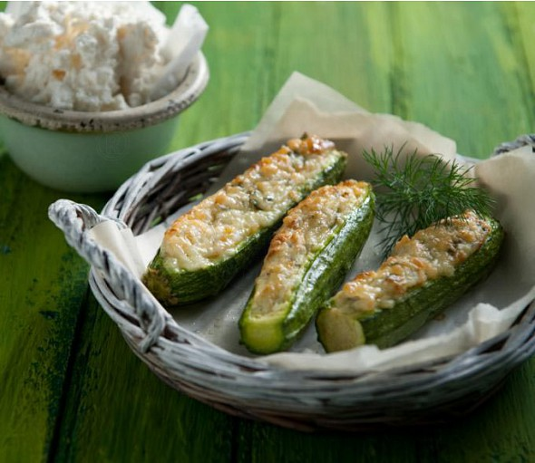 Zucchini with xinomizithra cheese in the oven